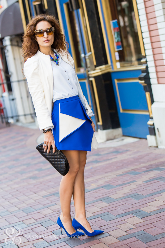structured skirt; sexy blue skirt; quilted clutch; brunch ootd, casual chic outfit