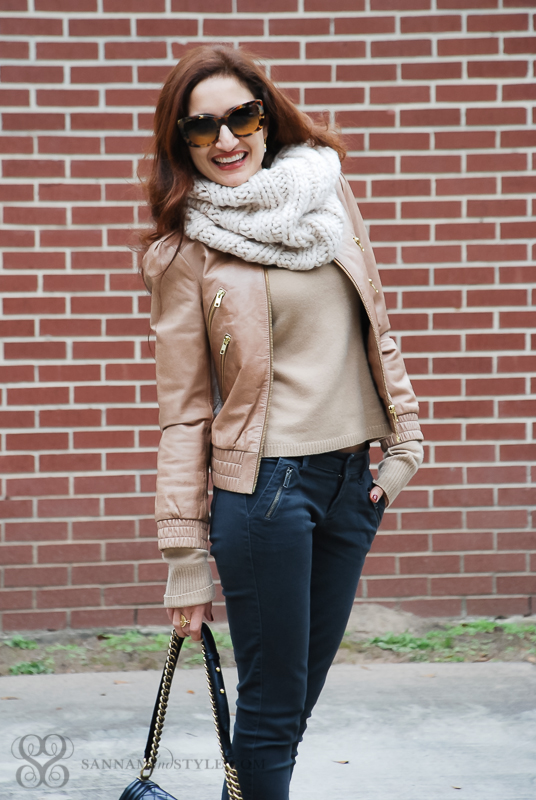 casual chic style, snood styled, warm weather layers, date night outfit