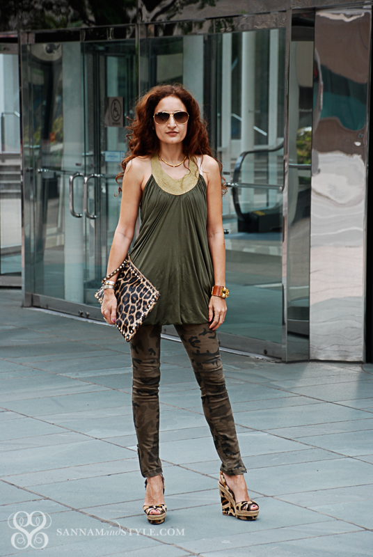casual chic outfit, camouflage street style, mixing prints, leopard clutch, louboutin leopard wedges