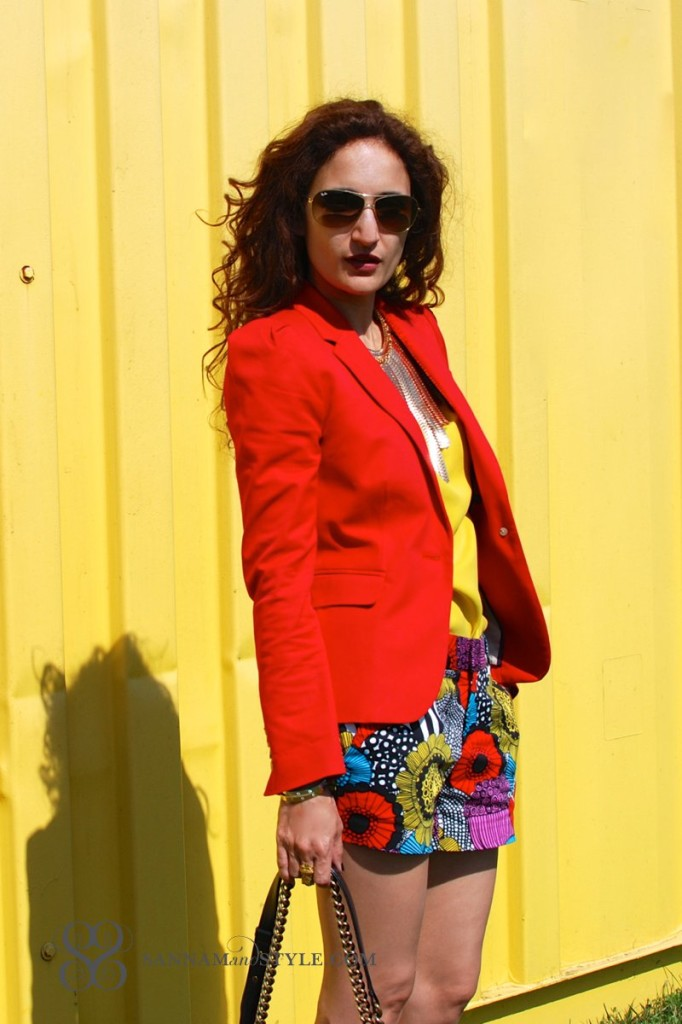 marimekko banana republic floral shorts chic casual outfits red blazer j. crew boy blazer tailored shorts floral trend for summer florals street style