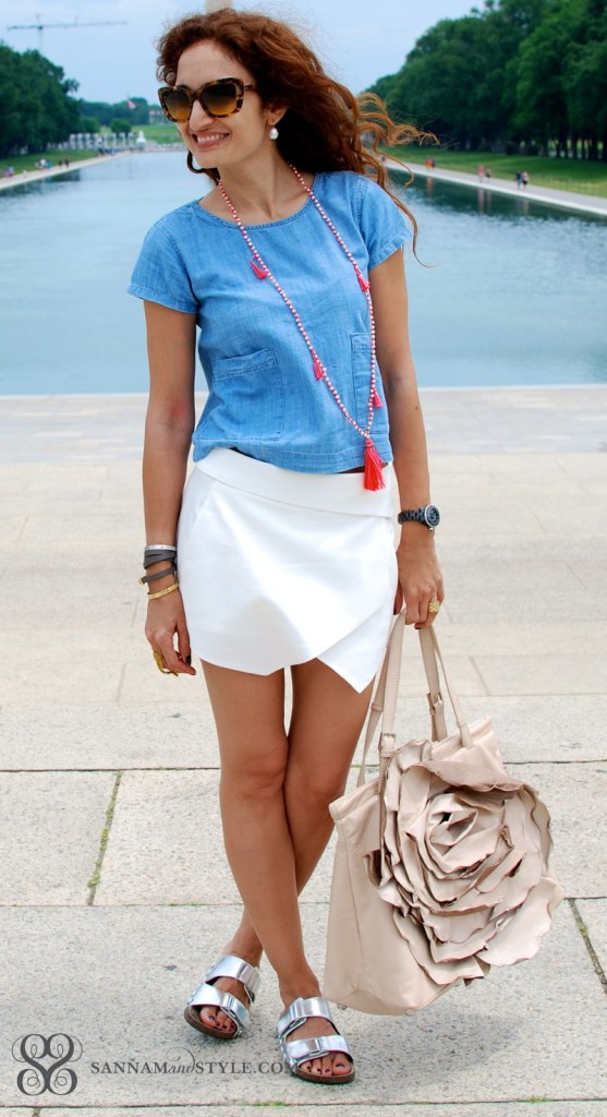 houston fashion blogger casual chic street style crop top styled casually kids top as a crop top chambray and white outfit shopping outfit