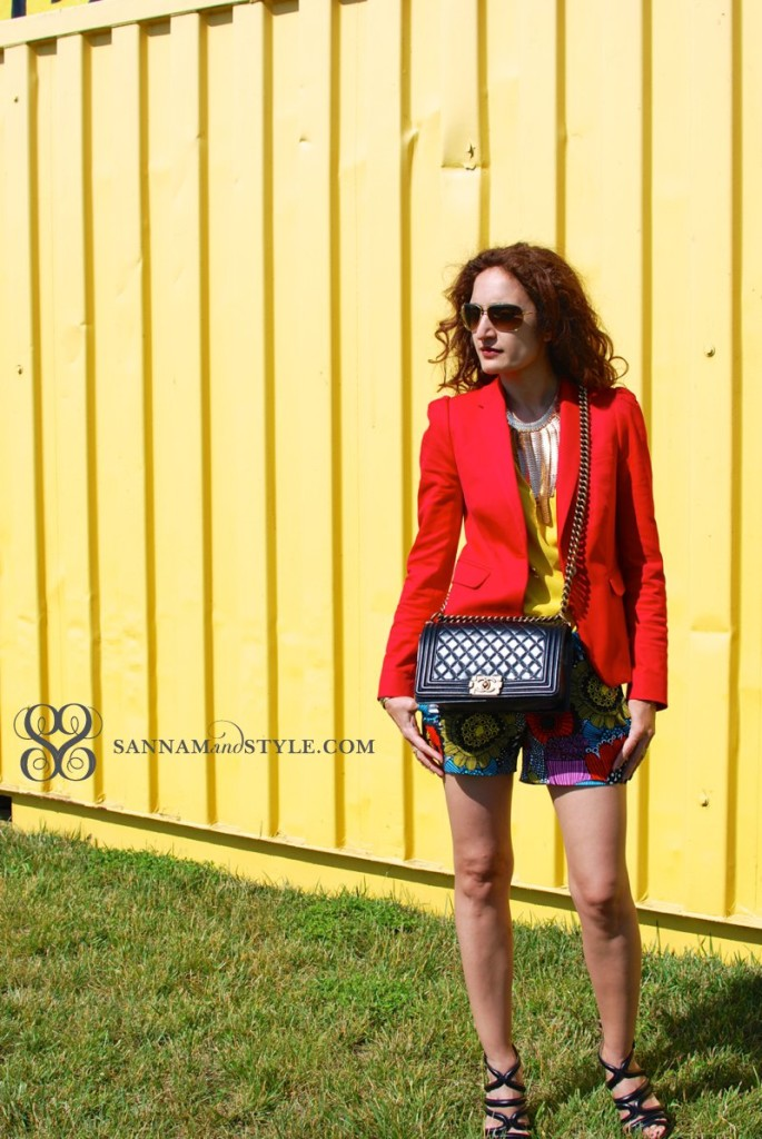floral shorts marimekko for banana republic true style chic casual outfit red j.crew bot blazer spring floral trend