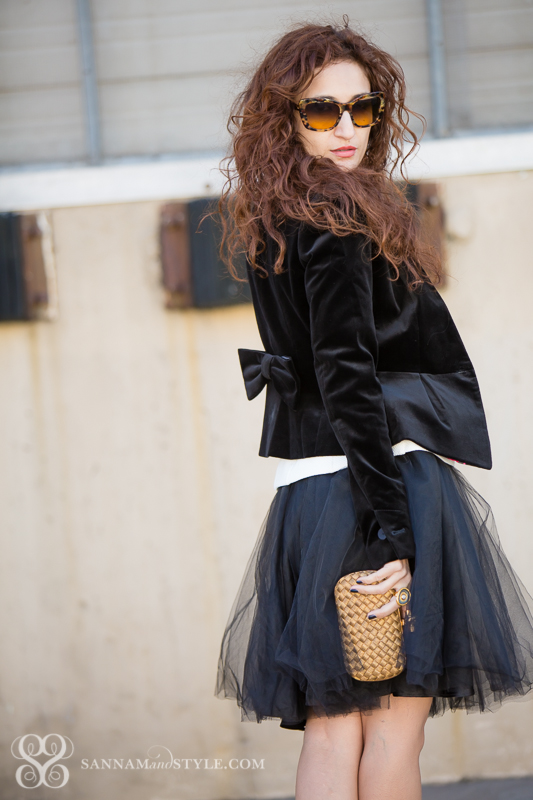 the new banana republic black tulle skirt how to wear a tulle skirt holiday outfit ideas christmas party outfit ideas velvet jacket fall trends chic outerwear black tulle skirt tulle trend fall trends houston fashion blogger