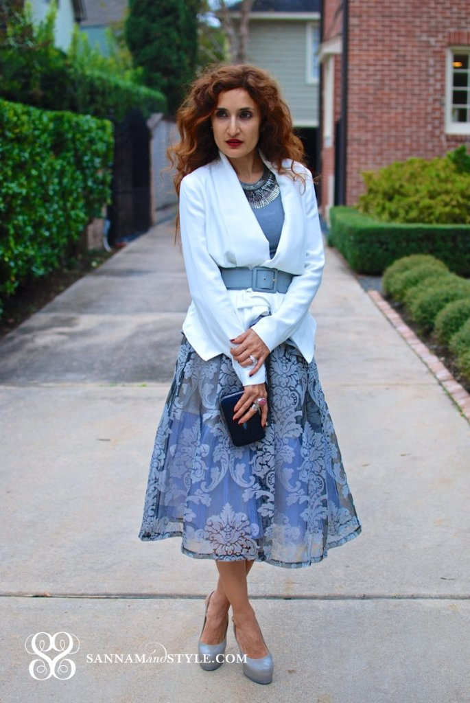 Joa Gray Floral Jacquard Midi Skirt How to Style Midi Skirt for fall midi skirt for holiday party gray and white outfit white blazer winter outfit chic fall style feminine girly look steel and dot slier pegasus sannam and style