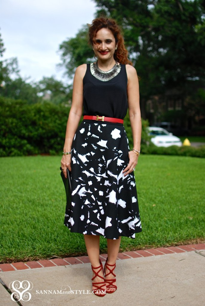 chic accessories black and white outfit pops of red vintage hermes belt zara strappy shoes