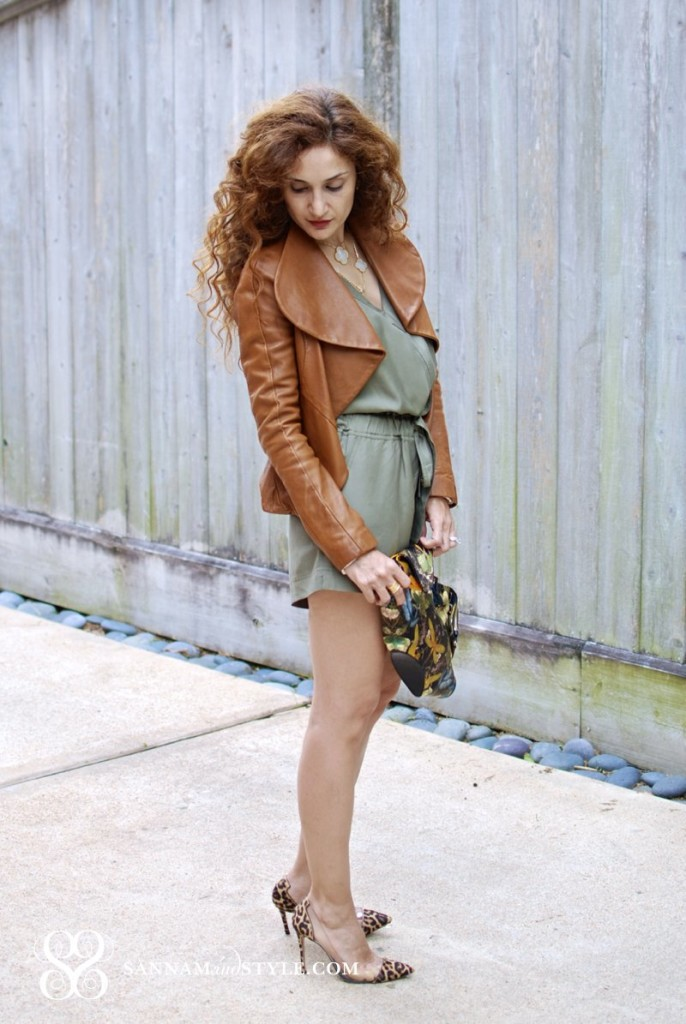 leopard shoes military green romper street style chic fashion trends van clef and arpels alhambra necklace