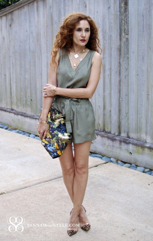 military trend street style houston fashion blogger printed clutch brunch chic first date outfit ideas