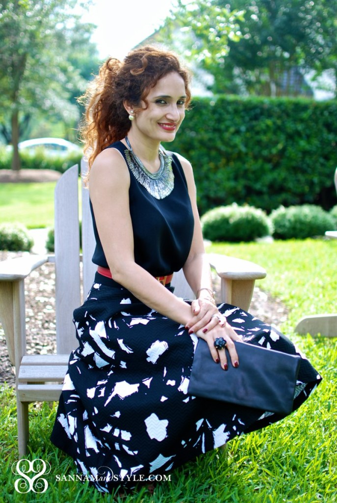 flirty feminine style chic brunch outfit day wedding how to style midi skirt for wedding black and white banana republic floral midi skirt