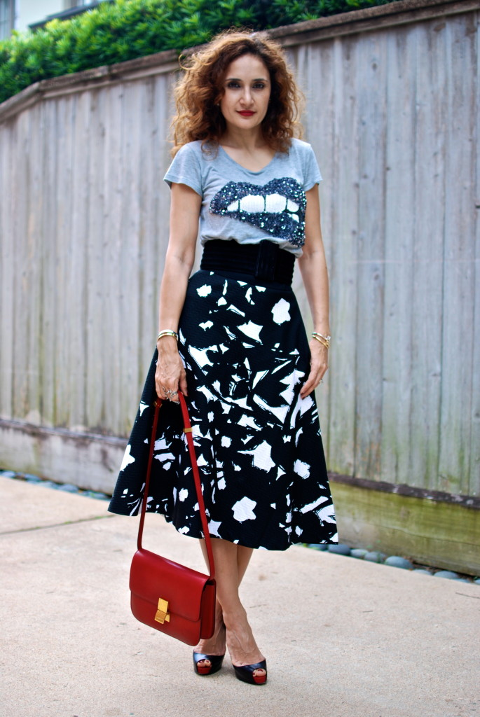 banana republic skirt restyled the new br black and white midi skirt sequin lips t houston blogger fashion blogger street style louboutin pumps red celine box bag