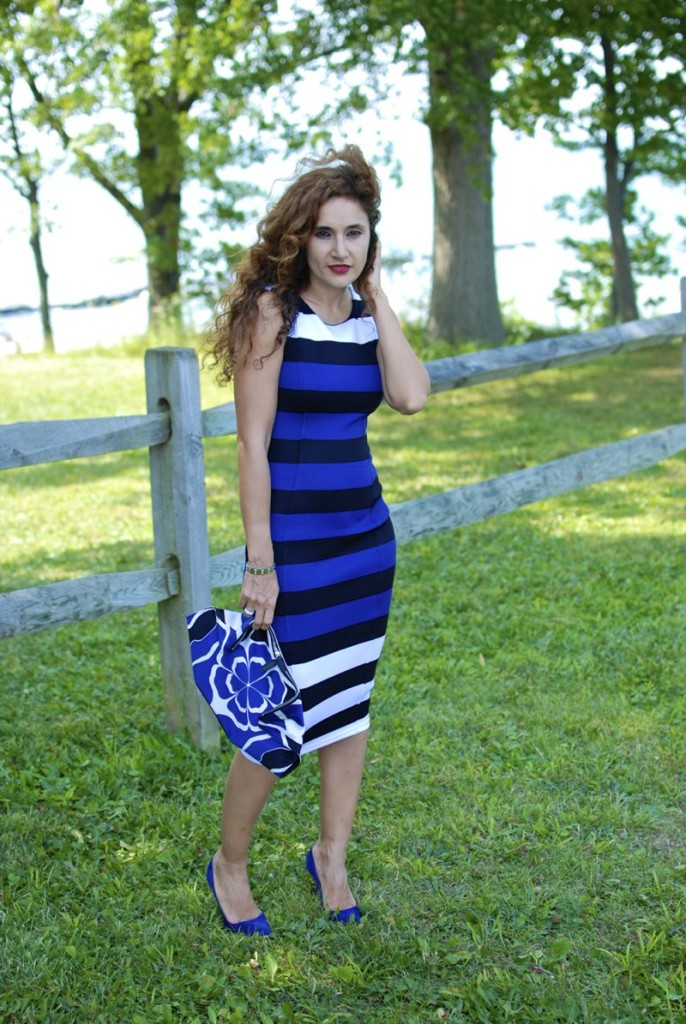 date night outfit first date ideas chic body con dress blue dress petite fashion blogger houston blogger baptism outfit sexy yet demure outfit cobalt blue dress de manta clutch chic summer trends blue what to wear to a baptism manolo blank BB suede blue pump