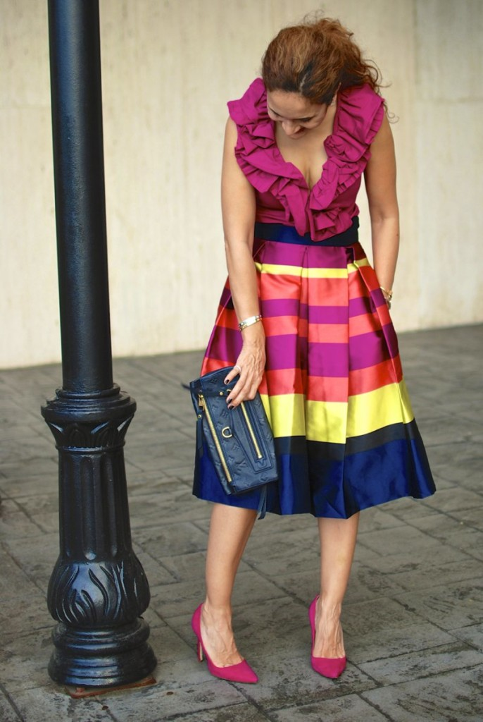 pop of color pleated midi skirt striped skirt chic pink skirt pink and blue outfit date night outfit louis vuitton empreinte navy clutch gurhan ring dior tribal earring double pearl earring houston blogger