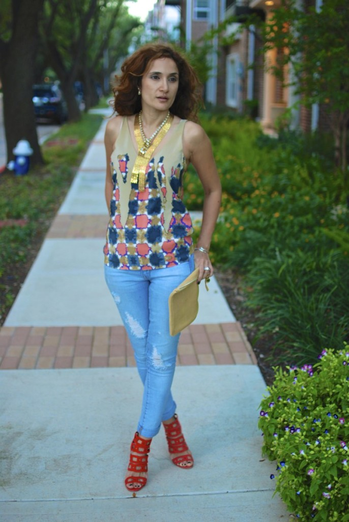 aquazzura chain me booties distressed denim dressed up fall trends houston fashion blogger tibia top jyoti kapoor jewelry claire vivier clutch what to wear on a first date printed top