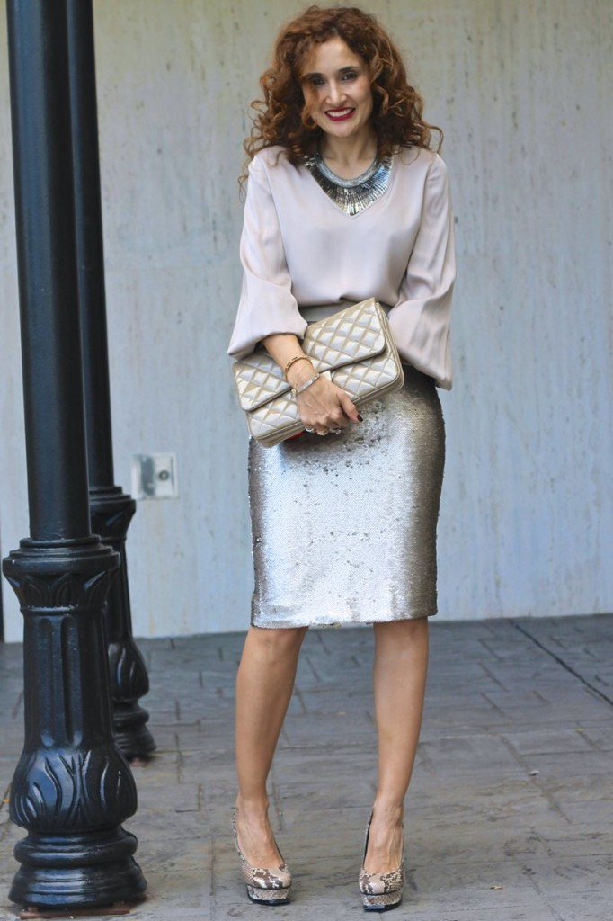 date night sequin pencil skirt gray outfit monochromatic outfit pegasus necklace bananastyle