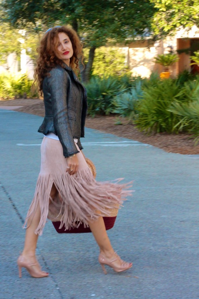 pink fringe skirt sting fringe trend how to wear fringe for spring rose quartz necklace what to wear to rosemary beach 30blogger curly petite styles