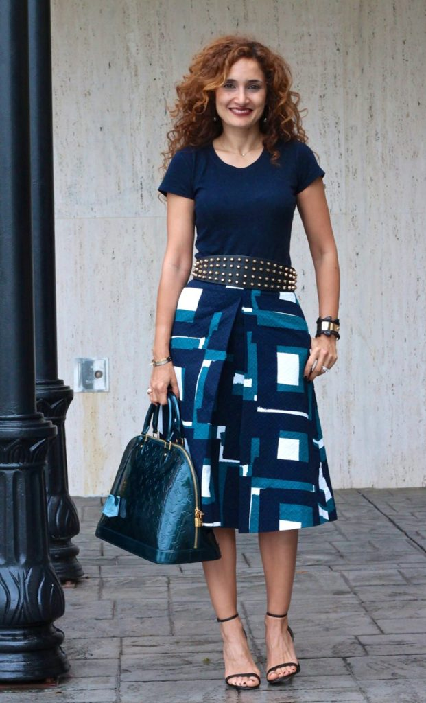 itsbanana jacquard midi skirt blue skirt chic effortless look nudist sandal simple chic shoes blue on blue on blue houston blogger flirty outfit what to wear with midi skirt