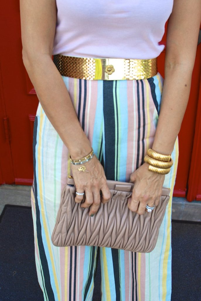 miu miu clutch vintage fish scales belt gap pink t louboutin nude wedges houston fashion blogger petite blogger curly hair