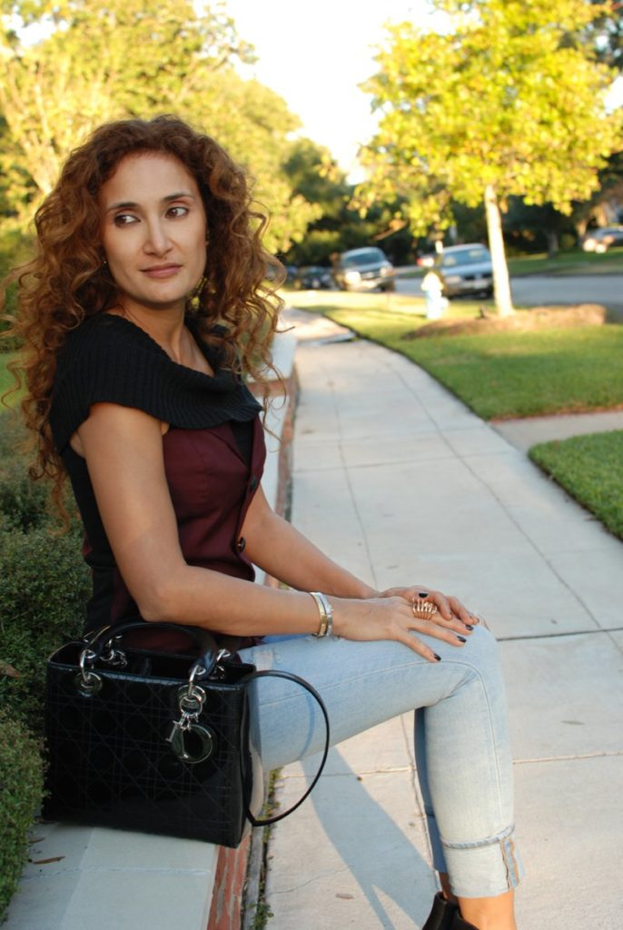 bustier petite blogger how to wear fall trends for petites curly hair distressed denim houston blogger