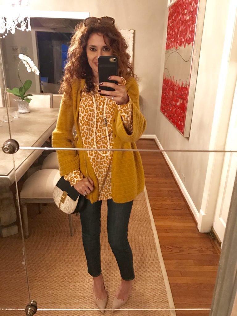 manolo blahnick bb pumps chloe drew python bag petite blogger curls mustard outfit