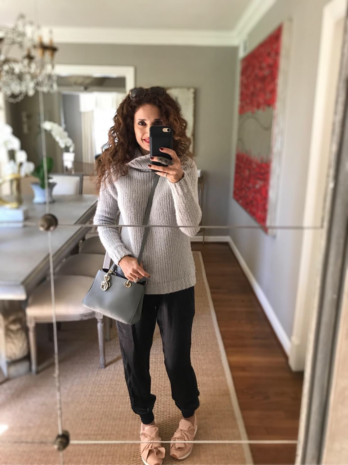 fun sneakers great kicks bow sneakers pink sneakers sneaker rage sneaker trends casuaL chic outfit curly Hair petite blogger dior cross body bag lady dior gray itsbanana