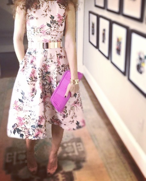 petite blogger curls houston blogger pink dress feminine outfit mirrored belt floral trend python clutch